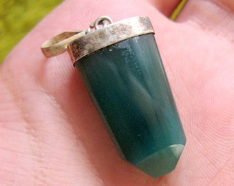 34 Carats Beautiful Natural Green Onyx Necklace , Green Onyx Pendant , Green Onyx Jewelry Size 30*14mm