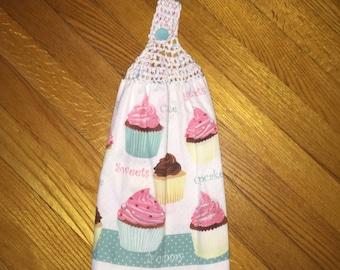 Hanging kitchen towel cupcake pattern