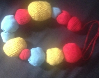 Pompomstatement Necklace nr.3