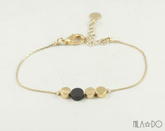 Dots bracelet, gold and black || Geometric and minimalist modern bracelet
