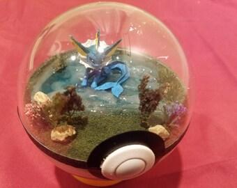 Pokemon Pokeball Terrarium (Diorama), Lake Theme (4 Inch Diameter)