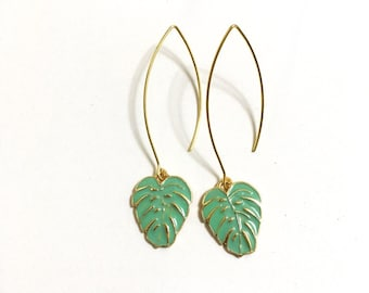 Monstera Deliciosa Leaf, Swiss cheese plant, Green Plant Gold Earrings, Tropical Leaf Jewelry, Botanical Jewelry, Long earrings, Trendy