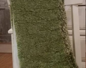 Green Leaves Textured Throw