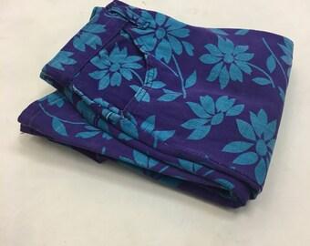 "1970s Bell Bottom Printed Denim Jeans / vintage High Waisted Bellbottoms Floral Daisy Denim / 24"" waist"