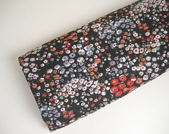 3.7Y Vintage Black Floral Lightweight Woven Fabric