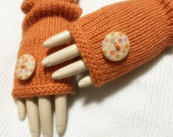 Clearance Acrylic Fingerless Gloves With Wooden Buttons