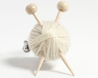 White Wool Knitter's Brooch - Ball of Yarn and Knitting Needles