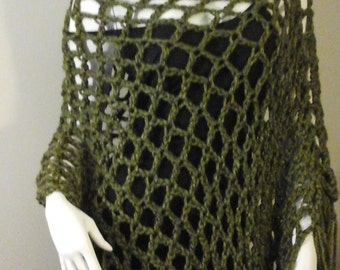 Honey Moon Charisma Poncho, Forest Green