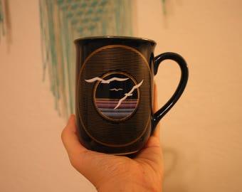Vintage mug with Birds