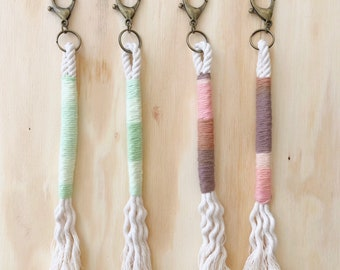 Wrapped rope keychain