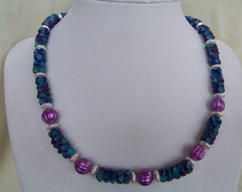 Festive and fun turquoise and purple necklace w earrings