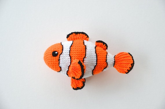 Amigurumi Fish Tutorial : Clown fish crochet pattern crochet clown fish pattern