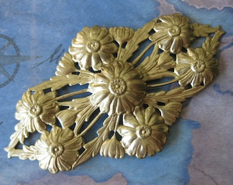 1 PC Raw Brass Floral Pierced Rococo Brooch Plate / Focal - Extra Large - NN01