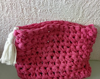 POUCH FUSCHIA and white tassel
