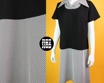 Vintage 70s Black & White Cute Scooter Dress with Iconic Big Collar