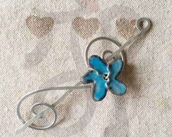 Aluminum pin with blue flower