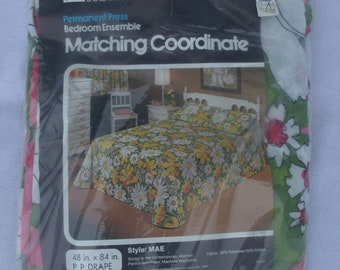 NIP Vintage Drapes, Vintage Curtains, Floral Drapes, Grants 48x84
