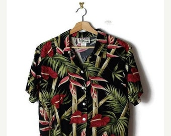 ON SALE Vintage Women's Black x  Hibiscus Hawaiian shirt/ Blouse from 90's