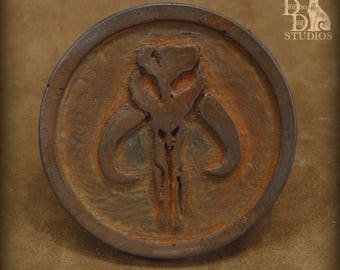 Mandalorian Mythasaur sigil disc