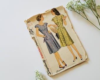 1940s Vintage Simplicity 1583 | Size 16 Bust 34 | Dress