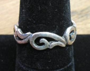 Vintage, Retro  Sterling  ring, twist and turns   - estate find! - one of many
