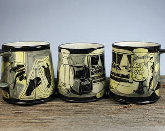 Sneaky thiefs black and yellow mug cup
