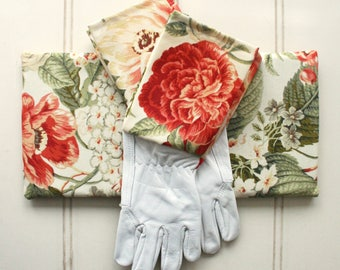 Coral Blooms Gardeners Giftset Kneeling Pad & Gloves - Garden Gloves, Green Thumb, Bright, Floral, Colourful, Roses, Gift for Mom