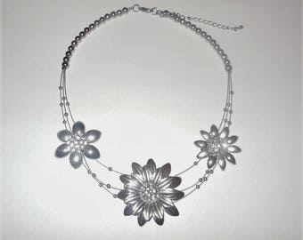 Necklace Rhinestone Floral Design Vintage Costume Jewelry Women's Fashion Accessories Silver Tone Metal Cast Chunky