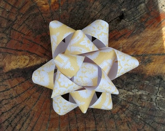Large Gift Bow, Packaging, Wrapping, Wrap, Gift-Wrap, Pretty, Party, Present, Celebrate, Birthday, Yellow, Summer, Sun, Sunshine, Sunny, Hot