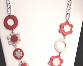 Coral and White Flower necklace Pearl, on chain.