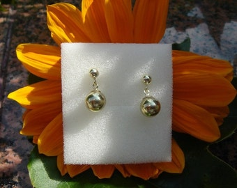 Elegant earrings with gold 585 (14 K) with balls!