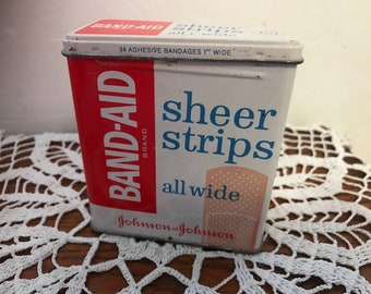 Vintage BAND-AID Sheer Strips all wide empty metal / tin box. Code 4626. #941