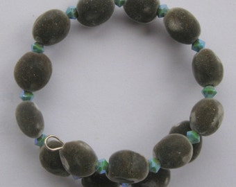 Hawaiian mgambo seed and turquoise color 2AB or AB2X Swarovski crystal bracelet