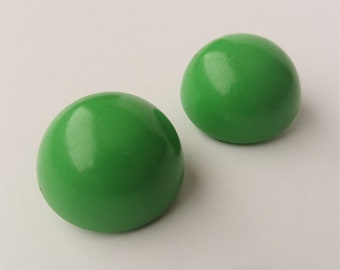 Large Green Round Clip On Earrings, Green Earrings, Dome Clip Ons, Large Stud Earrings, Green Plastic Earrings, 1970s Clip Ons, Mod Earrings