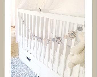 Felt flower garland, baby room garland, nursery garland, baby room decor, flower banner, felt flower. baby shower ideas, baby bedding ideas