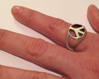 Sterling Silver Large Peace Sign Vintage Ring Size 8 1/2
