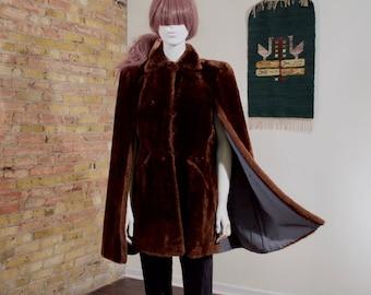 mouton fur cape / 60s fur cape / brown fur cape / fur capelet / peter pan collar / mod / car coat / mouton capelet / swing coat / brown fur
