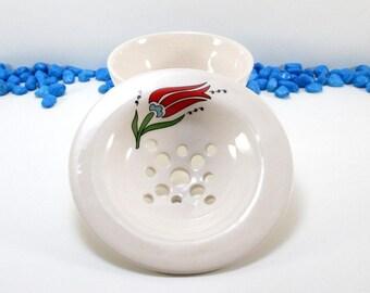 Pottery soap dish, bathroom accessory, sponge holder, ceramic soap holder, soap rest, home decor, soap saver, soap dish with drain, tulip