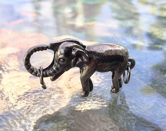 Elephant lobster clasp, (L01GG), 1 3/4 x 3/4 inches, gunmetal grey plated, double sides, Original design and copyrighted! New arrivals!