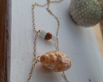 Shell bead bar necklace