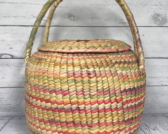 Vintage Beautiful Boho Basket with Lid and Handles Great Condition