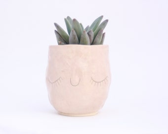 Happy Succulent Pinch Pot. Face cup with eyelashes. White Stoneware with Pink glaze. Millennial Pink planter. Ceramic cup.