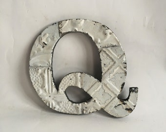 """Tin Ceiling Wrapped 8"""" Patchwork Reclaimed Metal White Letter """"Q"""" Mosaic Wall Hanging 18-16"""
