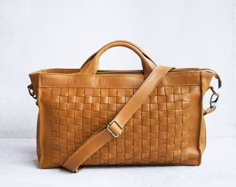 Woven Crossbody Bag in Camel / Leather satchel /Leather crossbody bag /Leather woven bag /Woven bag /Messenger bag /Brown leather bag