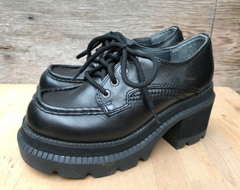 90's Chunky Heel Black Leather Platform Oxfords Shoes by Candies US women's size 7.5 EUR 38