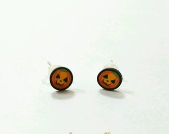 Halloween pumpkin earrings, halloween jewelry, pumpkin jewelry, polymer clay pumpkin earrings, polymer clay studs, polymer clay halloween