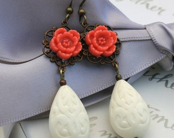 Vintage Paisley teardrop earrings with brass and flower accents on brass wires