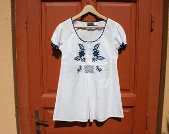 Boho blouse, vintage blouse, boho tunic, hippie tunic, white tunic, embroidered blouse, embroidered tunic, bohemian clothing, ethnic blouse