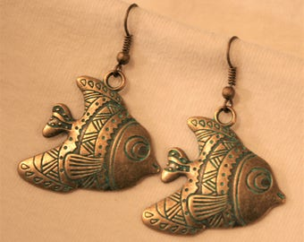 Fun & Fabulous Green Finish Verdigris Etched Swimming Fishes Figural Brasstone Dangle PIERCED Earrings
