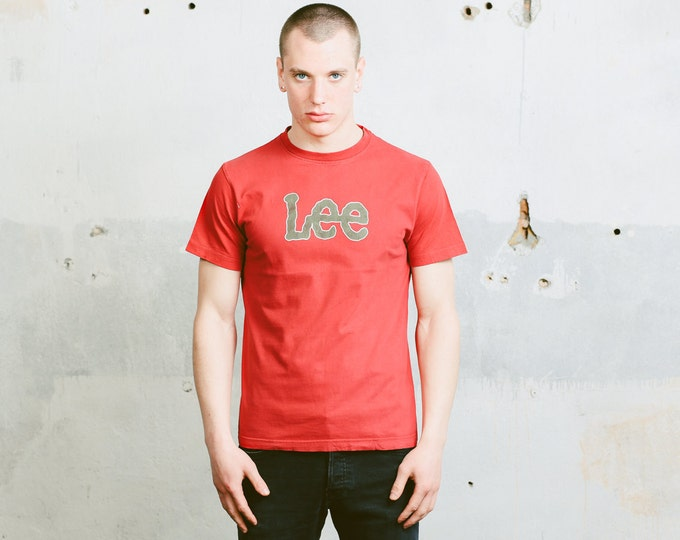 Mens Red T-Shirt . Vintage Lee Logo Print T-Shirt 90s Skater Top Activewear Retro 90s Tee Shirt Everyday Clothing . size Large L